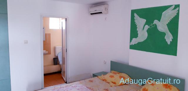 Inchiriez camere, pentru cupluri, persoane singure, zona girocului, 140 euro