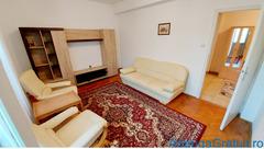 Inchiriez apartament cu 3 camere foarte spatios, zona Centrala